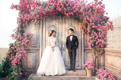【基礎知識】ウエディングドレスの種類とブランドを徹底研究!今、知りたいドレス事情 Wedding Art, Wedding Photos, Children Photography, Family Photography, Photography Backdrops, Photo Backdrops, Bridesmaid Dresses, Wedding Dresses, Art Quotes