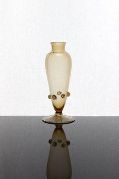 Ercole Barovier 1922 Vetreria Artisti Barovier Murano. For more information: http://tillipan.com/ercole-barovier-vase/artisti-barovier-1920-vase/