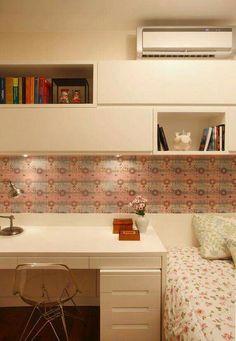 Papel de parede e mobiliario