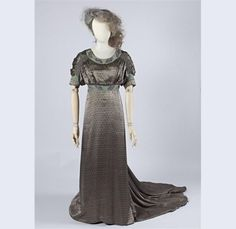 fashion gemeentemuseum den haag | ... gown, by Liberty & Co., c. 1910-11, at the Gemeentemuseum Den Haag
