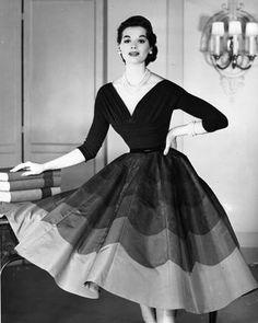 Nelly de Grab in Chanel ,1954
