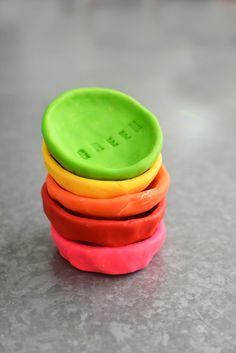 DIY Rainbow Pinch Po