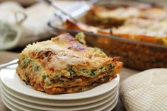 This is my friend Annie's recipe for vegetarian lasagne. She's not even vegetarian and she's developed an amazing recipe! Whenever she brings this dish to work the smell of garlic… Vegetarian Lasagne, Vegetarian Dinners, Vegan Vegetarian, Vegetarian Recipes, Veggie Lasagna, Vegetable Lasagne, Spinach Lasagna, I Love Food, Good Food