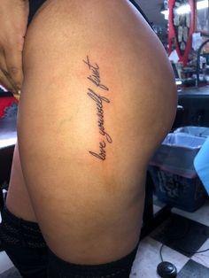 Thigh Tattoo Quotes, Side Thigh Tattoos, Leg Tattoos Women, 4 Tattoo, Shape Tattoo, Red Tattoos, Dainty Tattoos, Pretty Tattoos, Mini Tattoos