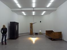 thinkingimages:  Berlin, Hamburger Bahnhof, dimanche 25 janvier 2009, 14h. Joseph Beuys, Voglio vedere le mie montagne, 1950-1971.