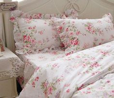 beautiful rose bedding.... I love this pattern!