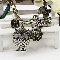 Vintage (Owl Skull Heart Crown Pendant) Gold Alloy Statement Necklace (1 Pc) – USD $ 5.99