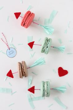 DIY  Valentine arrow cookie picks by Sugar & Cloth
