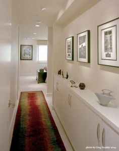 Evin herkese ve her yere açılan en önemli yeri olan antre dekorasyonunu incelemektesiniz. Giriş dekorasyonu fikirlerini daha detaylı incelemek için galerideki tüm dekorasyon fikirlerini