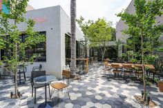 Linger Inside Zinque, a Slick European Cafe in WeHo another neighborhood joint