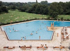 Andreas Gursky - Ratingen, Swimming Pool