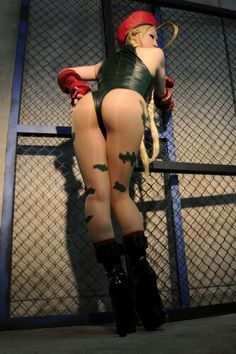 Character: Cammy White / From: Capcom's 'Street Fighter' Video Game Series / Cosplayer: Unknown  - Character Fanart at https://www.pinterest.com/supergirlsart/cammy #cosplay #cammy #white #streetfighter #ass