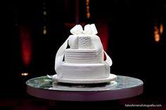 Fabio Ferreira Fotografia | Wedding Cake | Bolo De Casamento  www.fabioferreirafotografia.com  #Weddings #Wedding #WeddingCake #WeddingIdeas #BoloDeCasamento #WeddingPhotography #WeddingPhoto #FotoDeCasamento #Casamento #FabioFerreiraFotografia