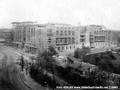 1888 Berlin - Rohbau des Reichstages, Platz der Republik.