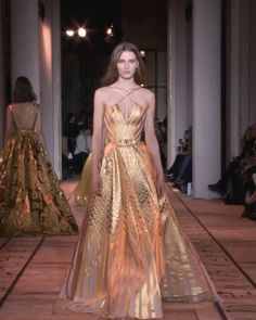 Stunning Backless Slip Golden A-Lain Evening Maxi Dress / Evening Ball Gown with Spaghetti Straps, Open Back and a small Train. Runway Show by Zuhair Murad. Gala Dresses, Couture Dresses, Fashion Dresses, Zuhair Murad, Couture Fashion, Runway Fashion, Couture Collection, Beautiful Gowns, Spaghetti Straps
