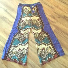 Wicked palazzo pants High waist beautiful palazzo pants made by flying tomato - They have been hemmed to inseam 25 inches the remainder of pant still intact if you wanted to take the seam out ...tag states large but they fit medium Flying tomato Pants Wide Leg
