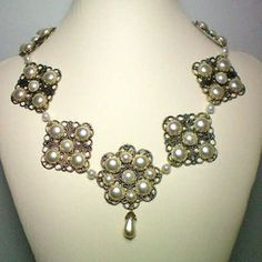 Anne of Cleves Pearl Flower Necklace Royal Sparkle!