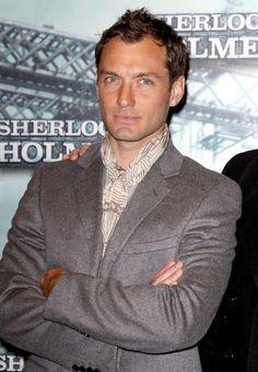 Jude Law Photos - 'Sherlock Holmes' photocall at Cinema Gaumont Marignan. - Jude Law Photos - 3485 of 4381