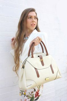 Gunas Monarch vegan handbag. Comes in many different colors!