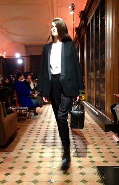 Veste de smoking au défilé #Hermès #PFW