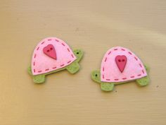 Felt Valentine Turtle Snap Hairclips.  via Etsy.
