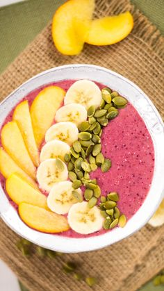 Packed with nutrition and pretty colors this is the smoothie bowl of champions. Packed with nutrition and pretty colors this is the smoothie bowl of champions. Fruit Smoothie Recipes, Smoothie Bowl, Healthy Smoothies, Healthy Drinks, Healthy Snacks, Healthy Eating, Healthy Breakfast Recipes, Easy Healthy Recipes, Detox Breakfast