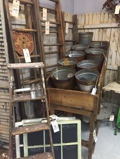 A little bit of wood and rusty buckets in my life!
