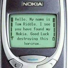 Imagen de Harry Potter, Nokia, horrocrux, Voldemort and Tom Riddle Memes Do Harry Potter, Fans D'harry Potter, Potter Facts, Harry Potter Fandom, Harry Potter World, Harry Potter Riddles, Harry Potter Insults, Harry Potter Wattpad, Harry Potter Gifts