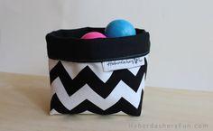 tutorial : Easy Fabric Storage Bin by haberdashery fun
