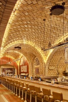 Guastavino tile ceiling at Grand Central Terminal's Oyster Bar. In The Grand Central Oyster Bar celebrated its anniversary as a NY institution, serving over 25 varieties of oysters daily. Oyster Bar Restaurant, Bar A Vin, Brickwork, Vaulting, Architectural Digest, Restaurant Design, New York City, Ellis Island, Central Station