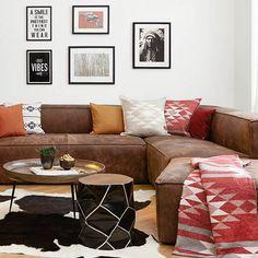 >> Ranch Style << Eckledersofa von HET ANKER, Kuhteppich von NATURES Collection und Hocker Penyok bei WestwingNOW!