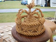 An antique crown for the Queen of the Corn Dollies (queen bee) Corn Dolly, Straw Art, Straw Weaving, The Last Straw, Wheat Straw, Queen Bees, Harvest, Late Summer, Antiquities