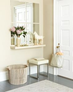 Faux Window Mirror For Your Inspiration Board: 15 Stylish Entryway Setups Small Entry, Narrow Entryway, Front Entry, Small Entrance, Small Hall, House Entrance, Entrance Hall, Entryway Console, Console Table