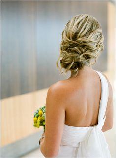 cabelo pra vestido one-shoulder