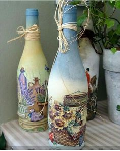 how to fabric decoupage wine bottle Glass Bottle Crafts, Wine Bottle Art, Diy Bottle, Decoupage Glass, Decoupage Art, Bottles And Jars, Glass Bottles, Altered Bottles, Recycled Bottles