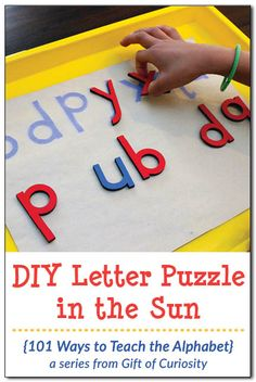 Make this DIY letter puzzle on a sunny day to provide your child with a fun activity that supports letter learning. As children work on the letter puzzle, they will focus on the shape of each letter. What a fun way to teach the alphabet! || Gift of Curiosity