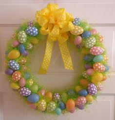 (un)Deniably Domestic: Spring Egg Wreath Easter Projects, Easter Crafts For Kids, Easter Ideas, Bunny Crafts, Easter Wreaths, Holiday Wreaths, Holiday Crafts, Easter Table Decorations, Easter Decor