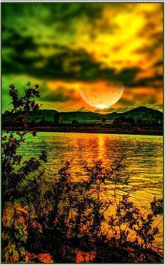 Die Liebe ist wie der Mond: Wenn sie nicht zunimmt, nimmt sie ab.