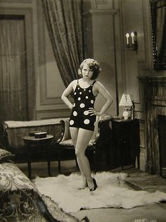 Clara Bow in a swimsuit I love.