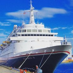 The Black Watch - built 1971 and operated by Fred. Olsen Cruise Lines - visited the hanseatic city of Bremen Online Magazine, Cruise Ships, Water Crafts, Olsen, Cruises, Sailing Ships, Picture Video, Watch, City