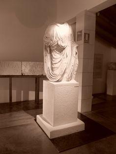 Estatua Togada en Centro de Interpretación del Campo Arqueológico.