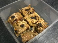 I told you the previous flapjack recipe was addictive.so addictive that I wanted to make some more and as usual had no bananas. I can't say they're my favourite fruit to indulge in, hence the fla. Slimming World Flapjack, Slimming World Cake, Slimming World Desserts, Sugar Free Recipes, Baking Recipes, Sweet Recipes, Dessert Recipes, Baking Ideas, Cake Recipes