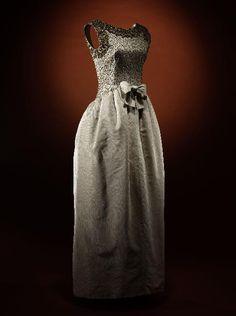 Dress Cristobal Balenciaga, 1960 Musée Galleira de la Mode de la Ville de Paris