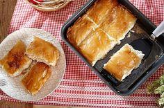 Η τυρόπιτα της μαμάς Cornbread, French Toast, Pie, Breakfast, Ethnic Recipes, Desserts, Food, Pie And Tart, Morning Coffee