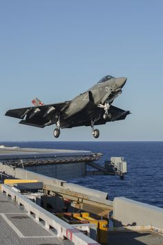 https://flic.kr/p/LjstKx | F-35C Development Test III | An F-35C Lightning II takes off from USS George Washington (CVN-73) during F-35C Development Test III. Lockheed Martin photo by Michael D. Jackson. Learn more: lmt.co/2byldPY.
