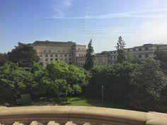 Mukava kävelreitti Geneven Nationsin kaupunginosassa. Reitti kulkee Kansainvälisen korttelin tärkeimpin nähtävyyksien kautta.