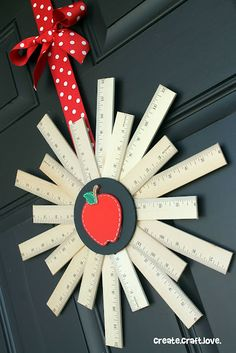 Welcome back the school year with this Back to School Ruler Wreath! School Wreaths, Teacher Wreaths, Back To School Crafts, Back To School Party, School Stuff, Teacher Appreciation Gifts, Teacher Gifts, Teacher Party, Math Teacher