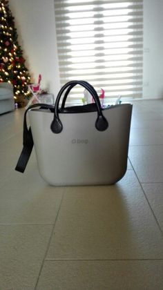 My first O bag! Cute Purses, My Bags, Leather Bag, Mini, Stuff To Buy, Designer Handbags, Clutches, Shopping, Wallets