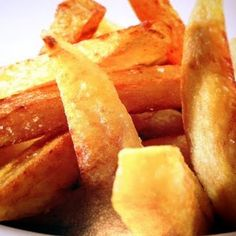 A great healthy version of French Fries! Use one tablespoon of oil with fresh potatoes and no oil cooking with frozen fries. This is a recipe for a classic French fry - use different seasonings to switch it up. Gourmet Recipes, Snack Recipes, Dessert Recipes, Cooking Recipes, Potato Recipes, Desserts, T Fal Air Fryer, Air Fryer French Fries, Actifry Recipes