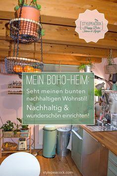 So erhält dein Zuhause Bohemian Flair mit wenigen Mitteln. [unbezahlte werbung + affiliate links] Mein Zuhause ist mit vielen Vintage-Sachen, Straßen- Flohmarkt- und Kleinazeigen-Funden eingerichtet. Viele Erbstücke und ein paar neue Möbel ergänzen das ganze. Und viele Pflanzen! Must Haves für dein gemütliches Heim im Boho Style. #Bohostyle #bohemian #bohemien #bohostil #bohohome #eclecticliving #vintagelove #plantlover #bohemians #bohostil #bohomöbel #bohemiandecor #bohodeko Bohemian Living, Boho Home, Boho Stil, Bunt, Outdoor Living, Diy Home Decor, Diy Projects, Diy Crafts, Interior Design